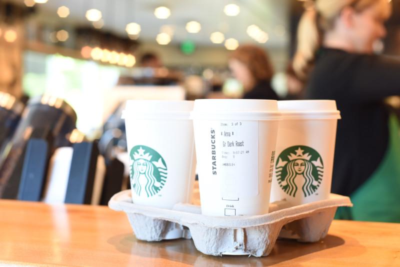 Starbucks_Mobile_Order__Pay_2015_6-800x534